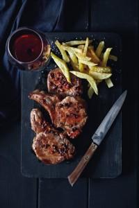 Πιπεράτο χοιρινό με κόκκινο κρασί Μύηση